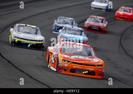 Fontana, California, USA. 25th Mar, 2017. March 25, 2017 - Fontana, California, USA: Kyle Larson (42) battles for - Stock Photo