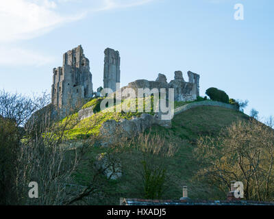 The historic remainds of Corfe Castle, Corfe Castle, Isle of Purbeck, Dorset, UK - Stock Photo