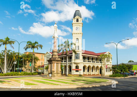 The Bundaberg Post Office and clock tower, along with the Cenotaph War Memorial in the city centre.  Bundaberg, - Stock Photo