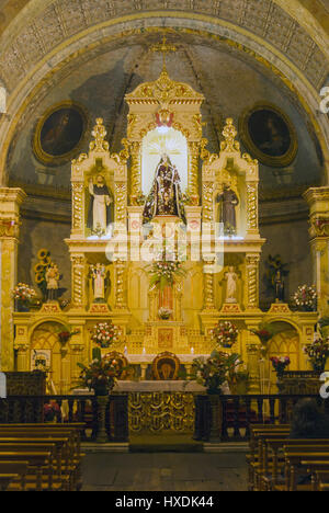 Ecuador, Latacunga, Iglesia Santo Domingo church, altar - Stock Photo