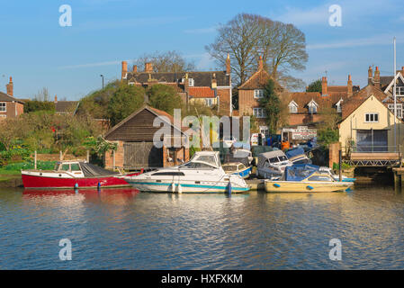 Beccles Suffolk, a boat repair yard along the River Waveney in the Suffolk town of Beccles, UK. - Stock Photo