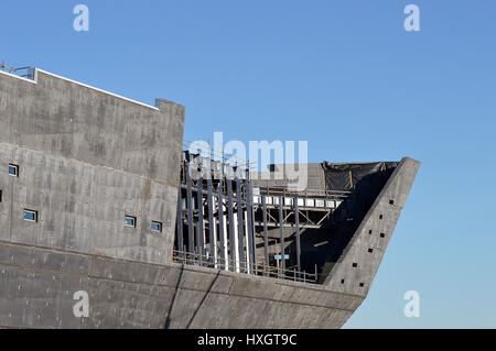 DUNDEE, SCOTLAND - 27 MARCH 2017: Work proceeds apace on building the new Victoria and Albert Museum of Design on - Stock Photo