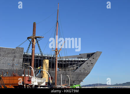 DUNDEE, SCOTLAND - 27 MARCH 2017: The ship shape of the new Victoria and Albert Museum of Design under construction - Stock Photo