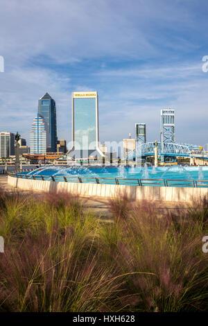 Jacksonville skyline, Friendship Fountain, Florida, USA - Stock Photo
