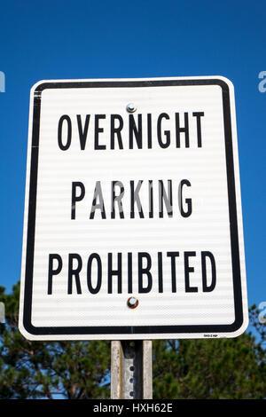 Overnight Parking prohibited sign - Stock Photo