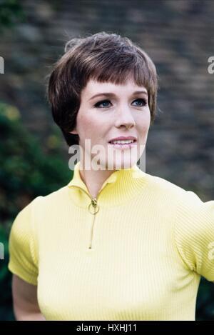 JULIE ANDREWS DARLING LILI (1970) - Stock Photo