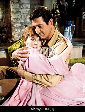 JULIE ANDREWS, ROCK HUDSON, DARLING LILI, 1970 - Stock Photo