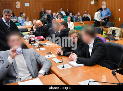 Frankfurt, Germany. 29th Mar, 2017. Stephan S. (4-L) and Jonas K. (R), the founders of the Frankfurt-based real - Stock Photo
