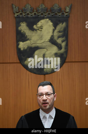 Frankfurt, Germany. 29th Mar, 2017. Judge Alexander El Duwaik opens proceedings in the State Court in Frankfurt - Stock Photo