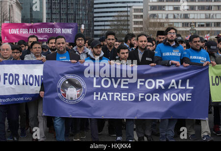 London, UK. 29th March, 2017. Muslim groups at the march across Westminster Bridge in tribute to the terror victims - Stock Photo