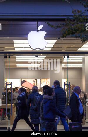Zurich, Switzerland - 04 November, 2016: entrance of the Apple store on the Bahnhofstrasse street in Zurich - Stock Photo
