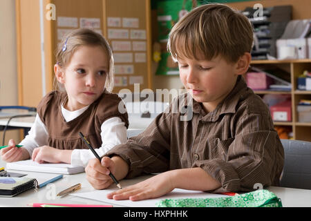 Children in the school lessons (mr), Kinder im Schulunterricht (mr) - Stock Photo
