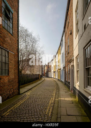 Prince Street in Hull's old town - Stock Photo