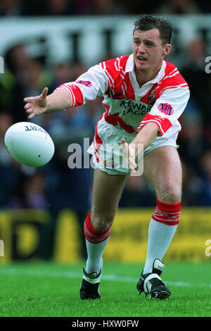 GUS O'DONNELL . ST. HELENS RLFC 01 September 1992 - Stock Photo