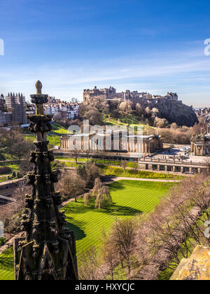 Edinburgh Castle. Scottish National Gallery, viewd from the Scott Monument, Edinburgh, Scotland, UK. - Stock Photo