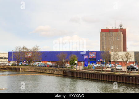 Home Bargains Wharf Street