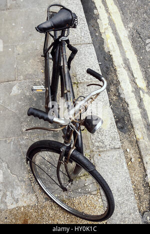 sit up and beg old fashioned bicycle - Stock Photo