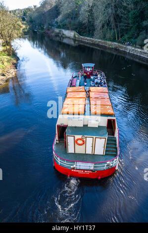 Prince Bishop river cruiser on the Wear river at Durham, U.K. - Stock Photo