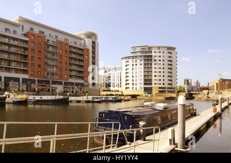 Leeds dock has large residential population in waterside ...