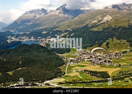 View from Muottas Muragl towards St.Moritz and Silvaplana, Engadin, Switzerland Blick vom Muottas Muragl auf die - Stock Photo