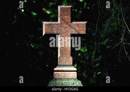 Grave cross on the Ohlsdorfer cemetery in Hamburg, Germany, Europe, Grabkreuz auf dem Ohlsdorfer Friedhof in Hamburg, Deutschland, Europa