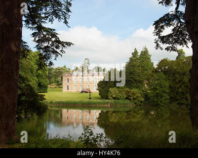 A view to Compton Verney House across Capability Brown's lake - Stock Photo