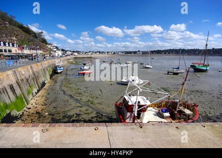Fishing harbour of Erquy, Brittany, France, low tide - Stock Photo