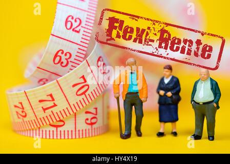 Senior citizens and dimension tape, symbolic photo Flexi pension, Senioren und Ma?band, Symbolfoto Flexi-Rente