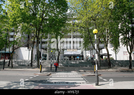 """The pedestrian crossing in front of the Curzon cinema """"Renoir"""" in """"The Brunswick"""", Bloomsbury, central London - Stock Photo"""