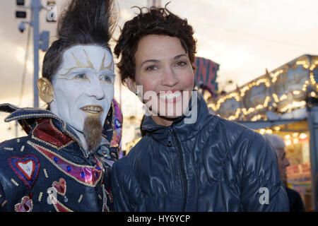 Paris, France. 31th March, 2017. Opening evening of the 2017 Throne Fair for the benefit of the Association Petits - Stock Photo