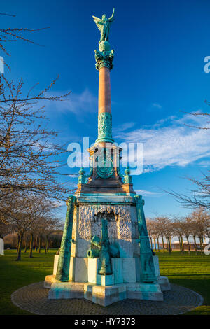 Langelinie (English: Long Line) is a pier, promenade and park in central Copenhagen, Denmark, and home of the statue - Stock Photo