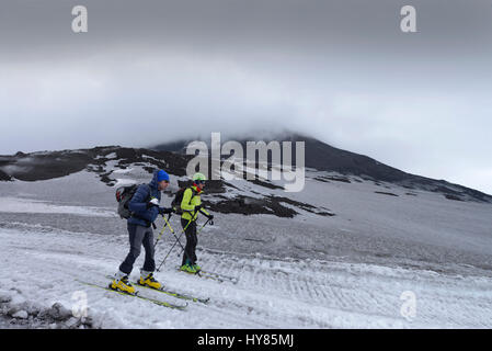 Skier, Torre del Filosofo, main crater, Etna, Sicily, Italy, Skifahrer, Hauptkrater, Sizilien, Italien - Stock Photo