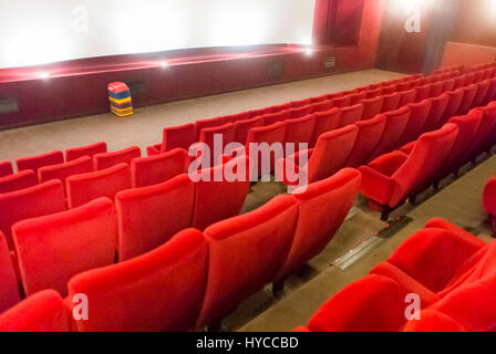 Paris france inside french cinema theatre ugc les halles for Inside french movie