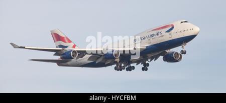 British Airways Boeing 747 Jumbo Jet G-CIVH on final approach to London-Heathrow Airport LHR - Stock Photo