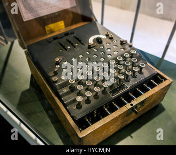 WWII German Schlüsselmaschine E / Cypher Machine E / 3-rotor Wehrmacht Enigma machine in wooden box used during - Stock Photo
