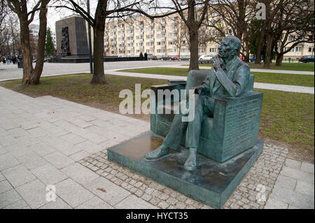 Jan Karski's Bench in Warsaw, Poland. 21 March 2017. Jan Karski was a Polish resistance fighter who during WWII - Stock Photo