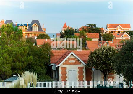 France, Gironde, Soulac sur Mer, a stop on el Camino de Santiago, seaside villas - Stock Photo