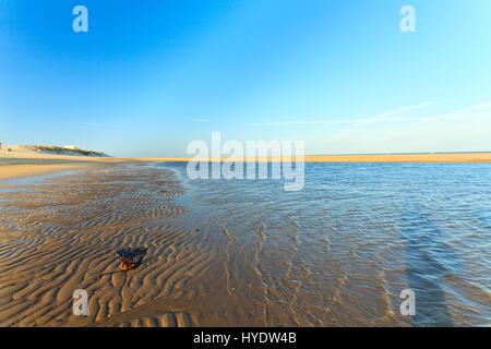 France, Gironde (33), Soulac-sur-Mer, la plage // France, Gironde, Soulac sur Mer, the beach - Stock Photo