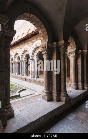France, Le Puy en Velay, Cathedral Notre Dame, cloister - Stock Photo