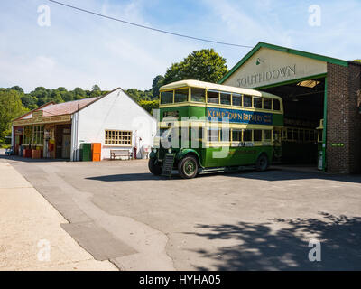 Vintage southdown motor services garage with foreman 39 s for Td garage services