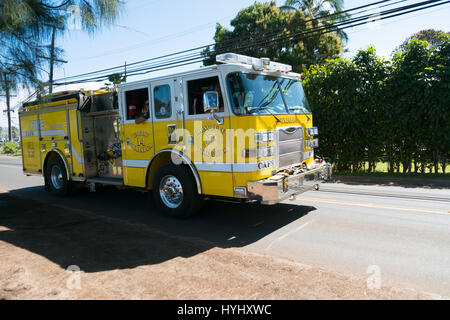 HALEIWA, OAHU, HAWAII - FEBRUARY 15, 2017: Honolulu Fire Department heads back to the station after responding to - Stock Photo