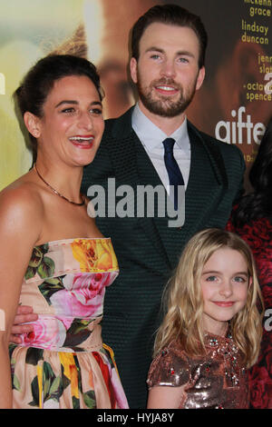 Los Angeles, USA. 04th Apr, 2017. Jenny Slate, Chris Evans, Mckenna Grace 04/04/2017 The Los Angeles Premiere of - Stock Photo