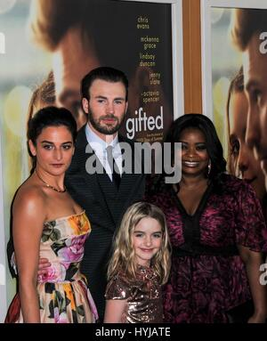 Los Angeles, CA, USA. 4th Apr, 2017. Jenny Slate, Chris Evans, Octavia Spencer, Mckenna Grace at arrivals for GIFTED - Stock Photo