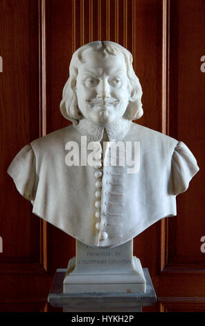 London, England, UK. Church of St Giles Without Cripplegate, the Barbican. Bust of John Bunyan (1628 – 1688) English - Stock Photo