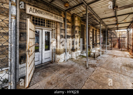 "WEST VIRGINIA, USA: A picture of the Administration building. IS THIS ""haunted"" former-prison once used to electrocute - Stock Photo"