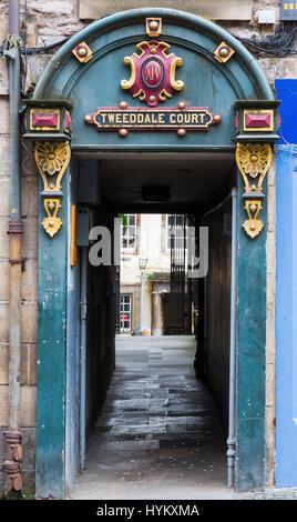 Edinburgh, Scotland - September 09, 2016: entrance of the Tweeddale Court in Edinburgh. It is a historical alleyway - Stock Photo