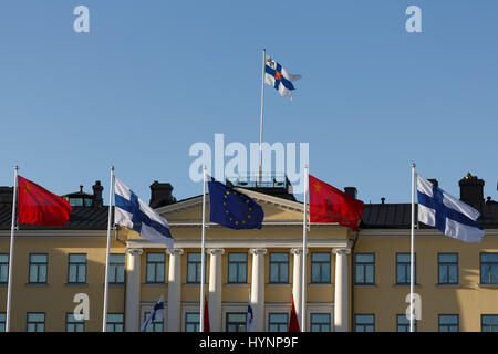 Helsinki, Finland. 5th April, 2017. Flags of China, Finland and the EU decorate the Presidential Palace in Helsinki - Stock Photo