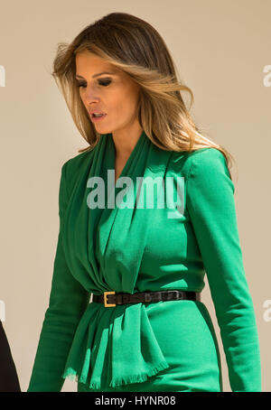 April 5, 2017 - Washington, District Of Columbia, District of Columbia, U.S - First Lady Melania Trump walks down - Stock Photo