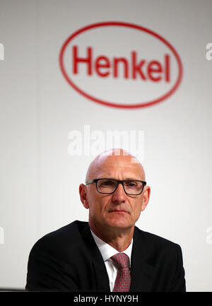 Duesseldorf, Germany. 6th Apr, 2017. dpatop - Timotheus Hoettges, the CEO of Deutsche Telekom and member of the - Stock Photo
