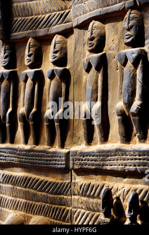 Africa, Mali, art and craft, Dogon craft, wooden sculptures on Dogon doors in Sangha - Stock Photo